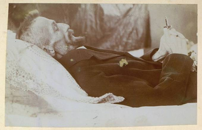 Posmrtné fotografie