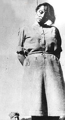 Život další nacistické dozorkyně z koncentračního tábora Stutthof Jenny-Wandy Barkmann skončil jedním z nejhorších způsobů smrti – oběšením.