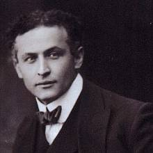Harry Houdini se jmenoval Ehrich Weiss, ale pod tímhle jménem ho nikdo nezná.
