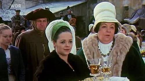Mezi nejznámější filmové role Dany Hlaváčové, patří pohádkový snímek Tři oříšky pro Popelku