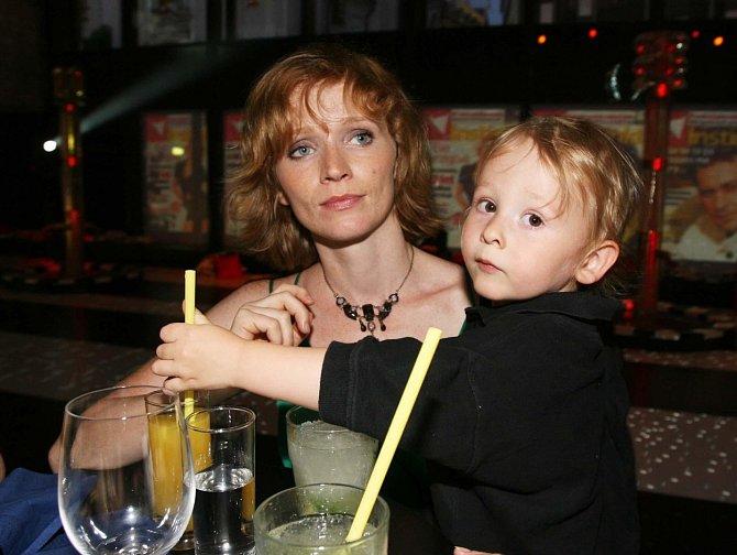Aňa Geislerová je trojnásobnou matkou.