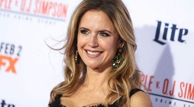 Hercova manželka Kelly Preston podlehla rakovině prsu.