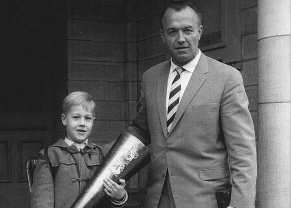 Rüdiger Heim se svým nacistickým otcem Aribertem Heimem.