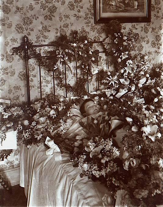 Snímek zesnulého dítěte