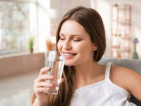 S pitím ionizované vody by se to nemělo přehánět.