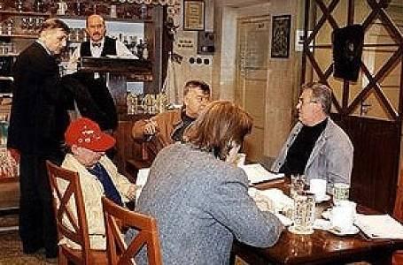 Kultovní seriál Hospoda, který běžel během let 1996-1997 vychoval generaci