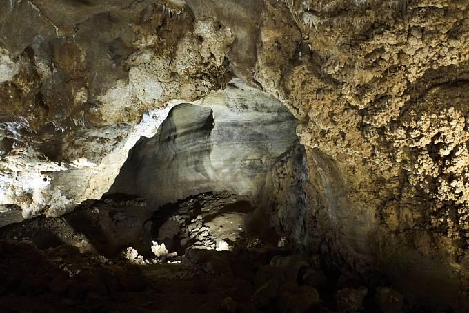Penězokazecká dílna existovala v Koněpruských jeskyních.