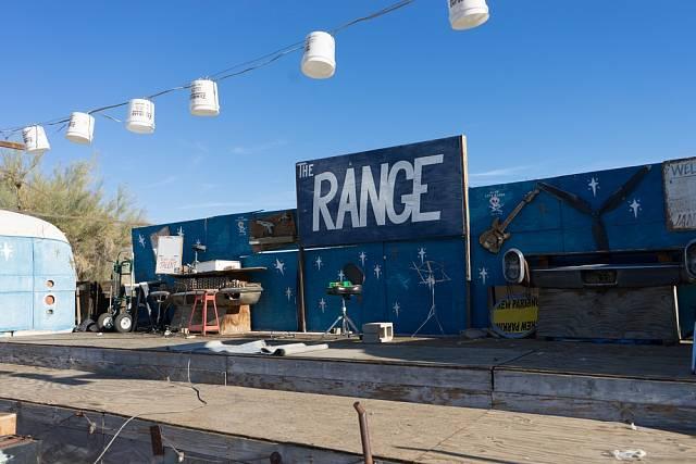 V klubu The Range se každou sobotu večer koná týdenní otevřená hudební show