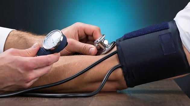 Krevní tlak do velké míry ovlivňuje strava.