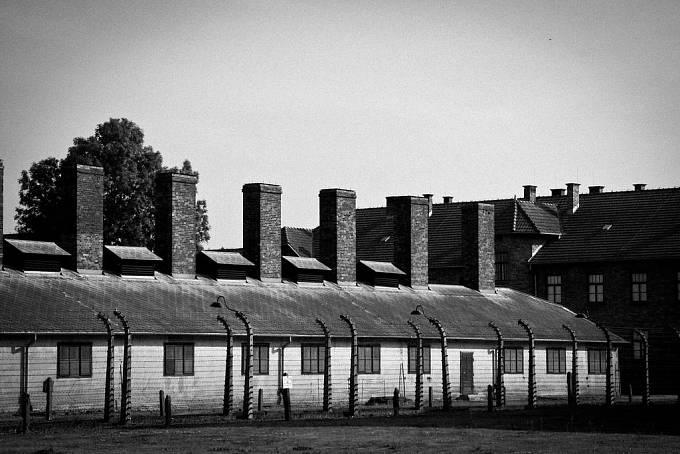 Koncentrační tábor Auschwitz I byl založen v bývalých kasárnách ve městě Osvětim.