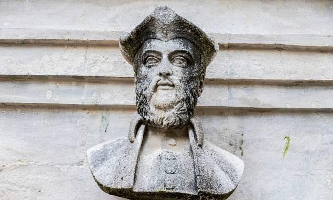 Nostradamova busta