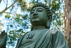 Se svastikou bývá vyobrazen i Buddha.