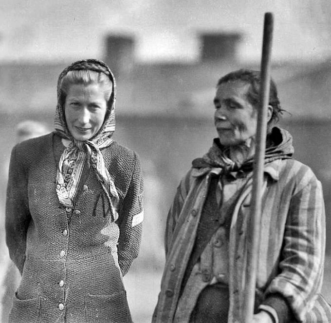 Osvobozené vězeňkyně z Bergen-Belsenu, duben 1945.