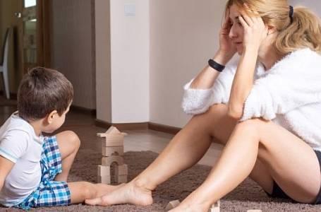 Měla s nevlastním synem hezký vztah, dokud se neobjevila jeho biologická matka.