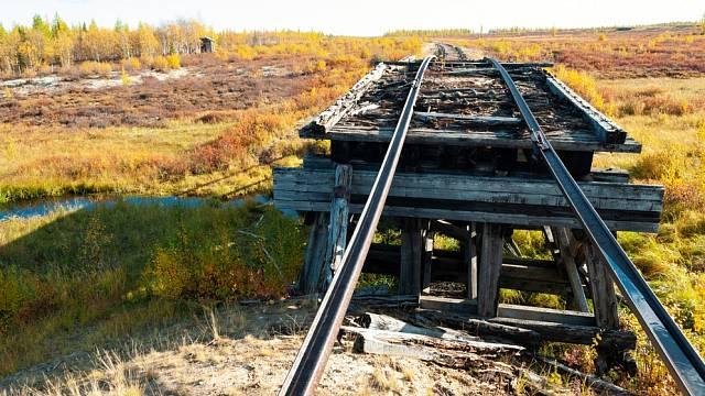 Železnici Salekhard–Igarka stavěli vězni v nelidských podmínkách.