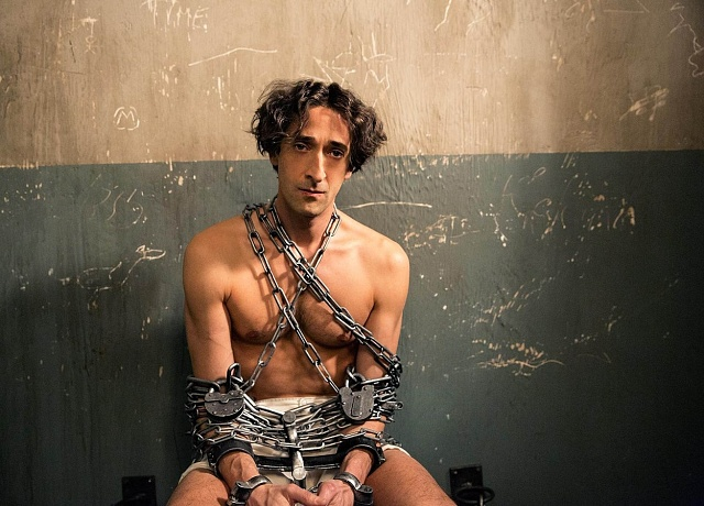 Adrien Brody se vroce 2014stal Harrym Houdinim.