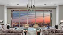 Matthew Perry prodává penthouse v Los Angeles.