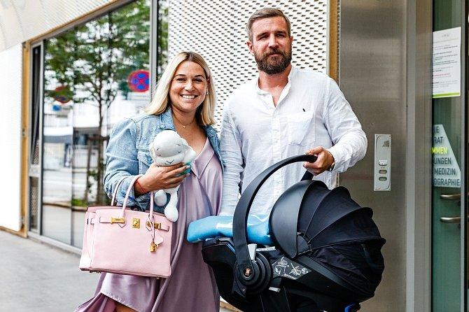 Dominika Cibulková s manželem a synem