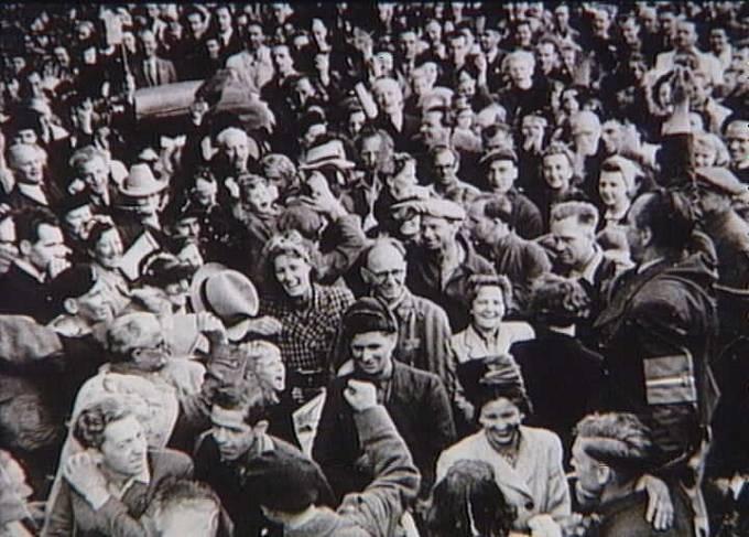 Návrat vězňů z koncentračního tábora Stutthof, Kodaň 2. června 1945.
