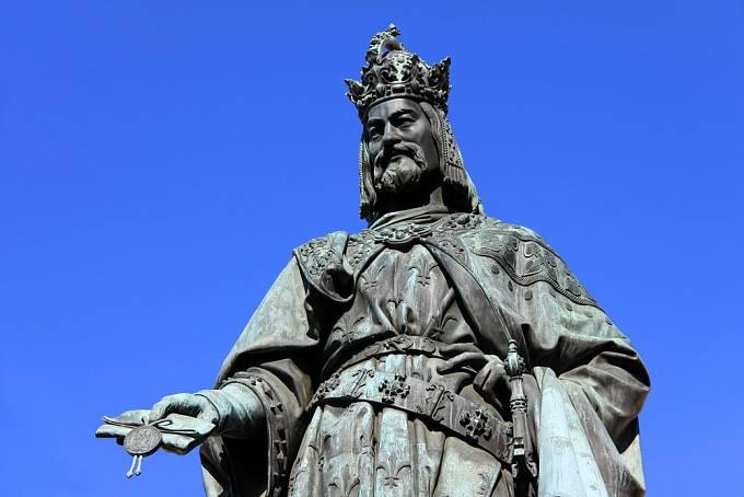 Karel IV. prý svého syna rozmazlil.