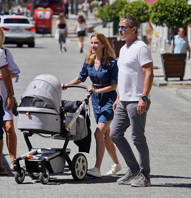 Filip Renč s manželkou a dcerou