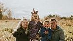 Caitlin Fladager s rodinou