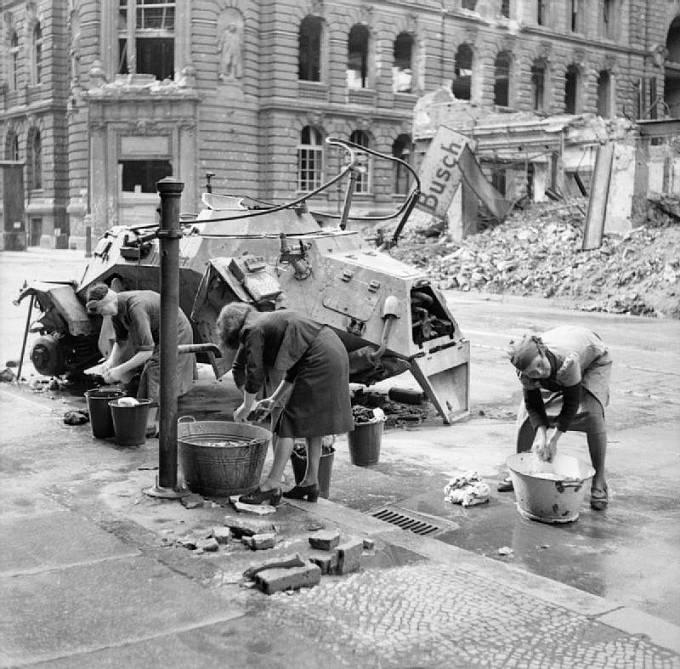 Německé ženy se na konci války stávaly snadnou kořistí.