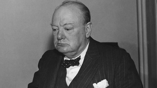 Josefa byla manželkou důstojníka britské tajné služby MI-6, který reagoval přímo na rozkazy Wistona Churchilla.