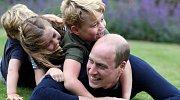 Princ George prožívá šťastné dětství