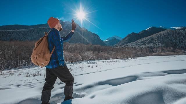 Sněžná slepota hrozí především v horách, ale nejen tam.