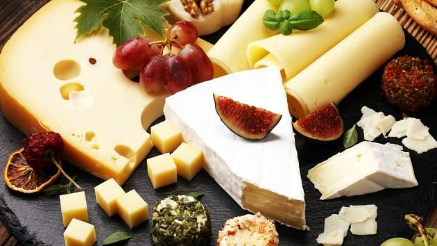Sýrů existuje mnoho druhů, některé jsou zdravé více, jiné méně.