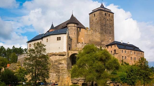 Od hradu Kost je to pěší chůzí jen kousek k pohádkovém mlýnu, ve kterém žil Petr Máchal