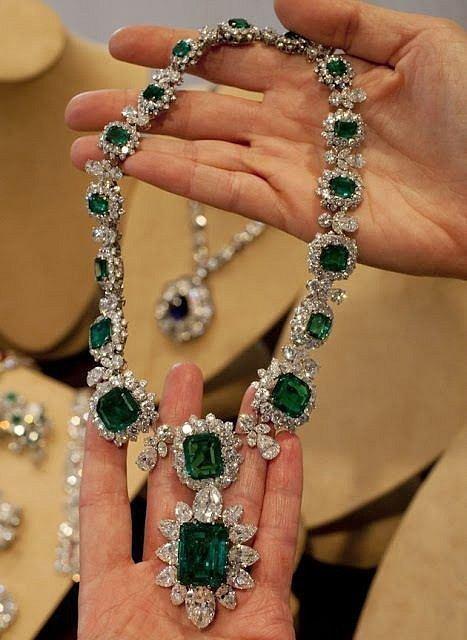 Elizabeth Taylor milovala šperky.