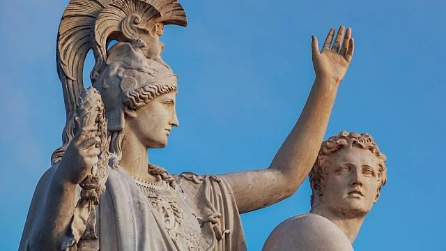 Řecká mytologie je plná příběhů o nevěře.