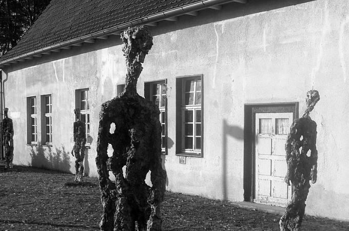 Památník holocaustu v Ravensbrücku.
