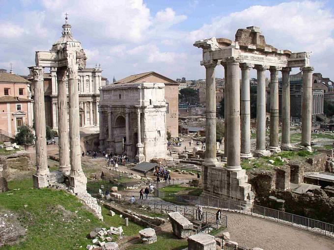 Forum Romanum bylo v dobách antického Říma centrum veřejného dění ve městě i v říši.