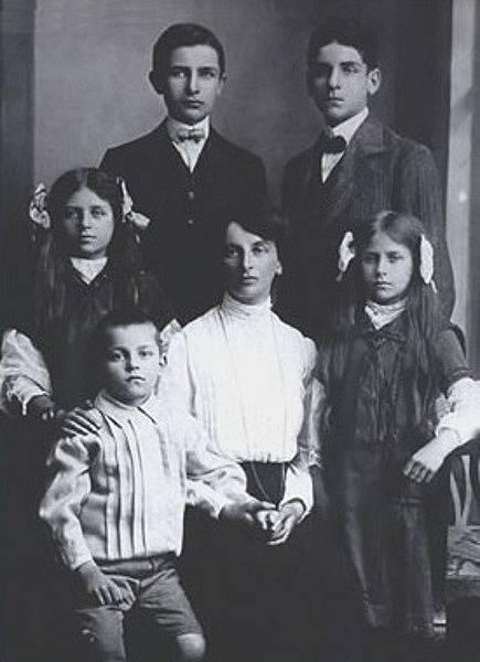 Inessa Armand se svými dětmi