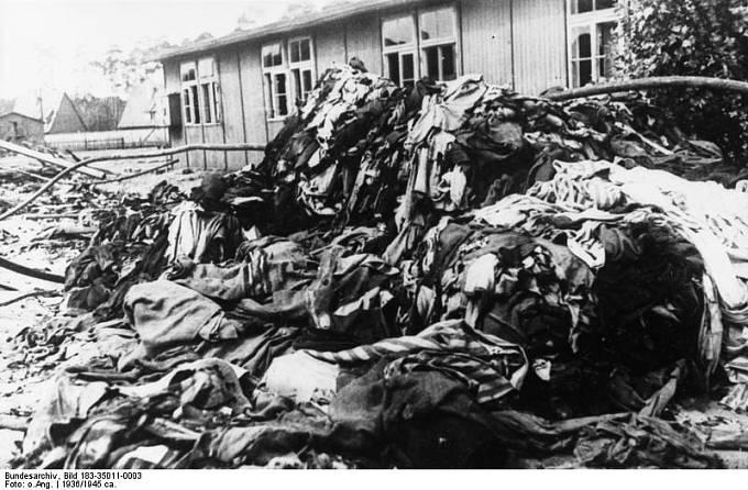 Koncentrační tábor Sachsenhausen, stavba byla zahájena v létě roku 1936. V listopadu 1939 překračoval počet vězňů v Sachsenhausenu 11300 osob.