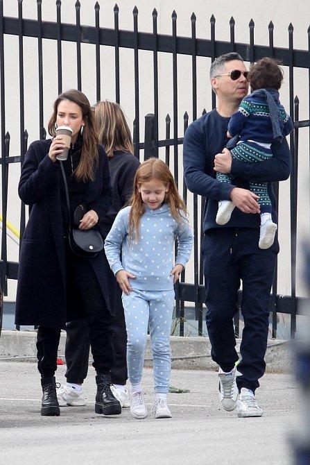 Jessica Alba s rodinou