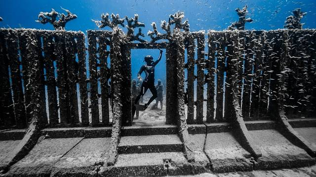 Podmořské muzeum najdeme ve Španělsku u ostrova Lanzarote v hloubce 12 metrů