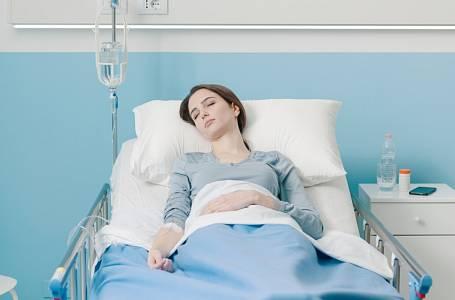 V šestém měsíci těhotenství měla vážnou autonehodu.