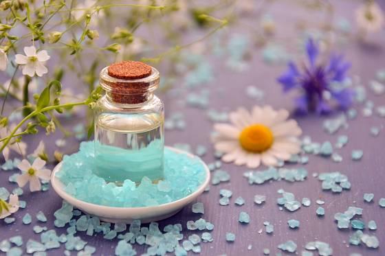Esenciální oleje zbaví dutinu ústní nečistot a zápachu.