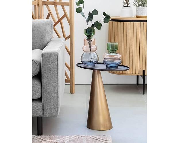 Skleněné vázy Astera jsou jako krásná socha.