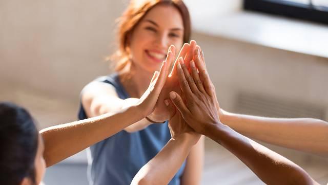 Věřte si a podporujte se navzájem s dalšími ženami!