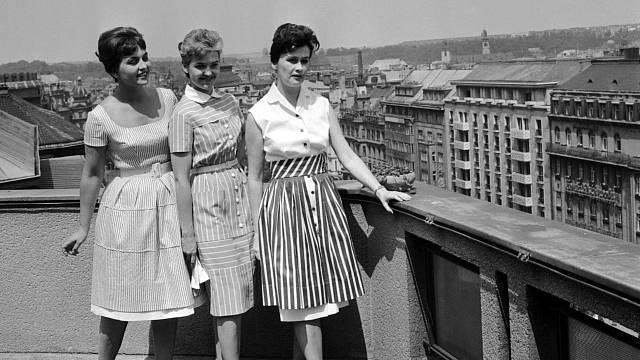 Módní přehlídka v roce 1960