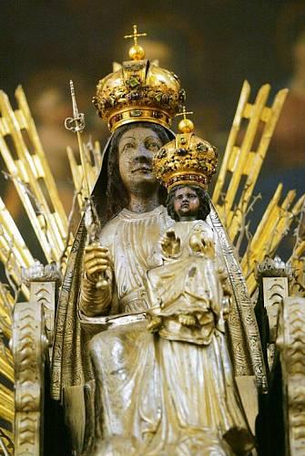 V Tuřanském kostele je umístěna údajně nejstarší mariánská socha na světě.