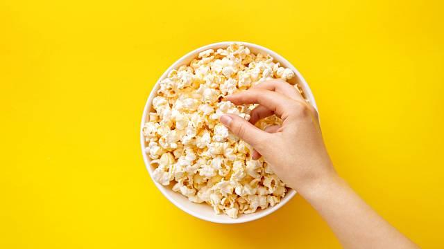 Popcorn je určitě zdravější než chipsy
