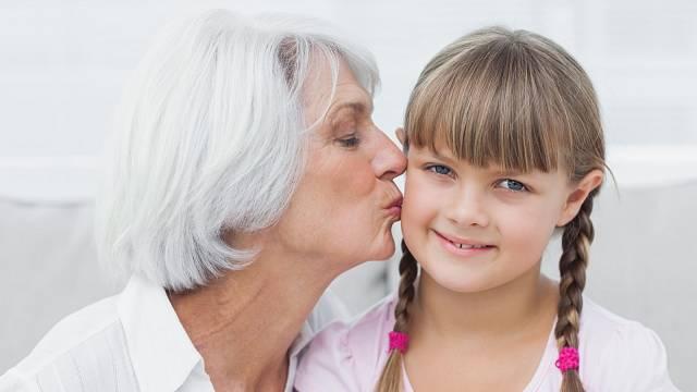 Pokud se s vámi děti nemazlí přirozeně, nenuťte je