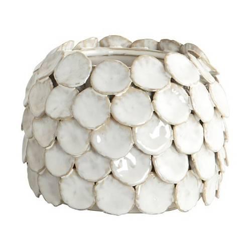 Porcelánové plátky skládají vázu jako plástev.
