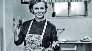 Anna Pitašová hrála maminku ve filmu Brankář bydlí v naší ulici z roku 1957.